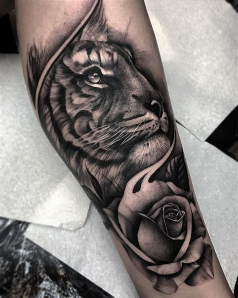 tiger and roses tattoo designs tiger tattoos meaning and design ideas tiger