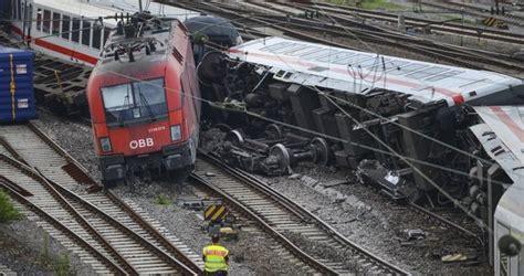 Auto Verschrotten Graz by V Německu Se Srazily Vlaky Vag 243 Ny Pln 233 Cestuj 237 C 237 Ch Se