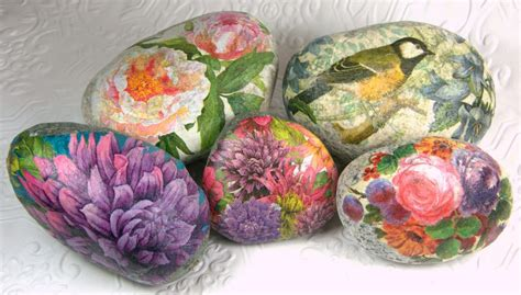 decoupage rocks tutorial blooming rocks decoupaged rocks by kirste