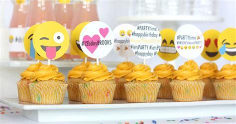themes for tween girl birthday parties kara s party ideas instagram emoji themed teen birthday
