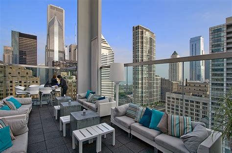 Roof Top Bars In Chicago by Roof At Thewit Chicago Favorite Places Spaces