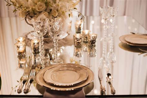 great gatsby table decor   People in the 1920s were all