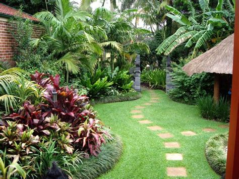 Tropical Backyard Landscaping Ideas Janika Backyard Garden Designs Perth