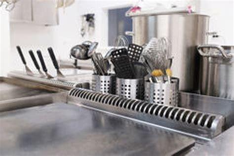 nettoyage inox cuisine nettoyage de l inox comment nettoyer les taches