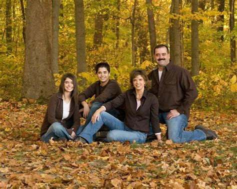 family of 4 photo ideas 25 best ideas about teenage family photos on pinterest