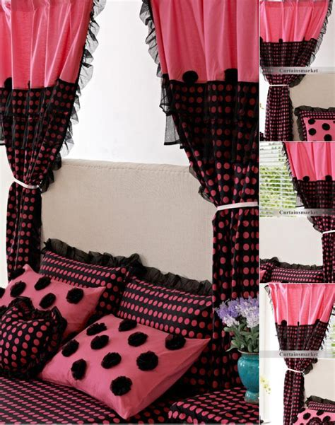 pink and black curtains create a dream to you