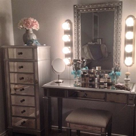 25 best ideas about mirrored furniture on