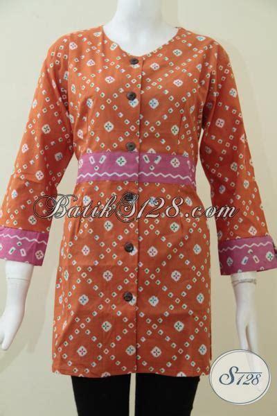 Aneka Dress 95000 blus batik orange model terbaru cocok untuk seragam kerja wanita muda baju batik print motif