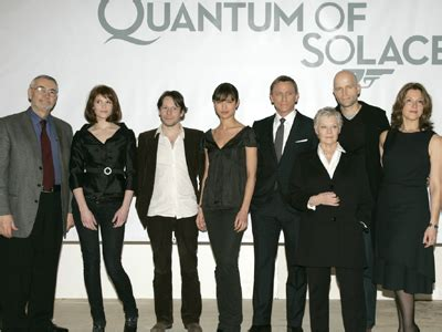 Quantum Of Solace Wardrobe by Auf Einer Pressekonferenz Wurde In Anwesenheit Der