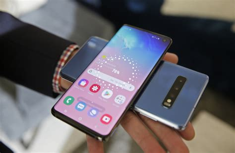 samsung folding phone   hefty price