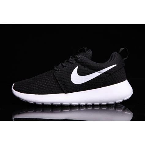Nike One Unisex A nike roshe one br unisex black white 718552 011 sneakers