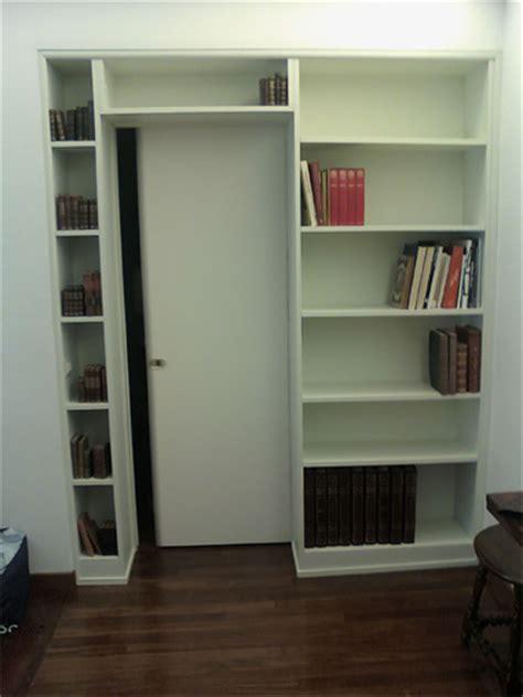 libreria con porta scorrevole libreria con scala scorrevole scaleo scala du appoggio