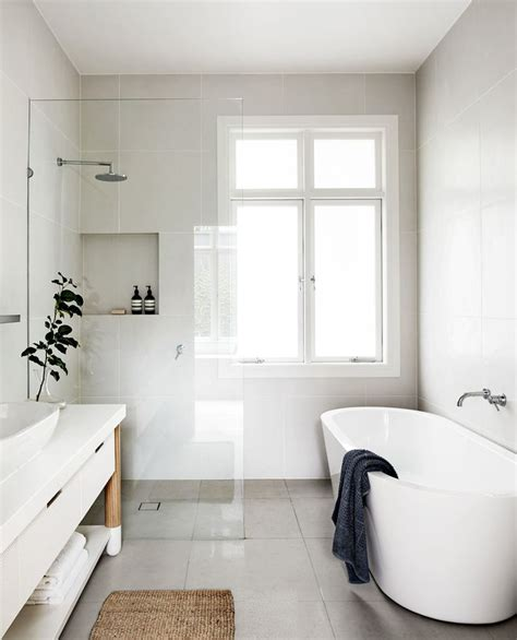 Small Bathroom Renovations Ideas by 25 Best Ideas About Small Bathroom Renovations On