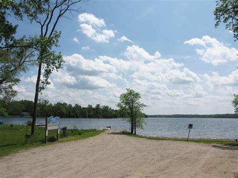 public boat launches ontario panoramio photo of public beach and boat launch r on