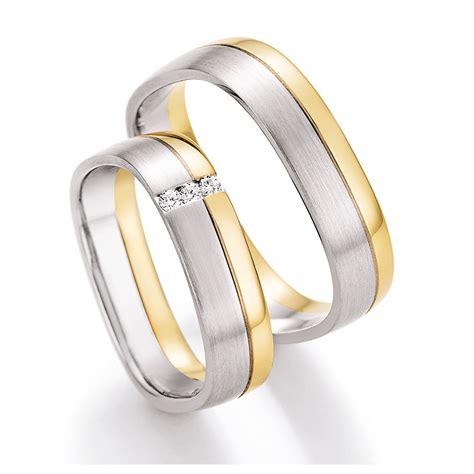 Eheringe Gold Mit 3 Diamanten by Eckige Eheringe Aus Wei 223 Gold Gelbgold Mit Diamanten