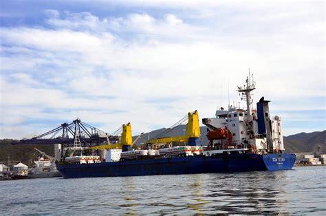 puerto de santa marta colombia panoramio photo of scm fedra con su carga de camiones