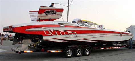 mti boats missouri husker powered mti goes wild on lake of the ozarks