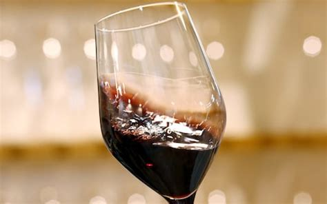 glass of wine or beer a day reduces risk of an early death