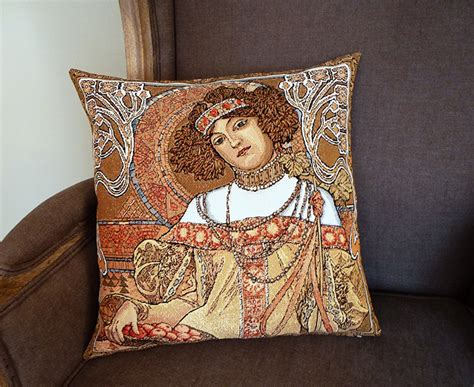 Tapisserie Mucha by Coussin Mucha Automne 45x45cm Coussins Tapisseries
