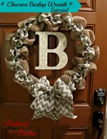 how to make a burlap wreath with two colors diy chevron burlap wreath tutorial