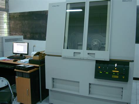Alat Xrd pengujian komposisi pasir pada plesteran beton laboratorium sentral mineral material maju