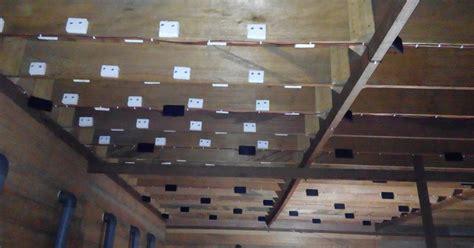 membuat rumah burung walet cara pemasangan busa pada papan sirip rumah walet burung
