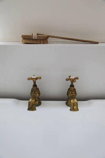 Pemanas Air Dengan Outdoor Ac 17 best ideas about brass bathroom faucets on traditional bathroom scales mermaid