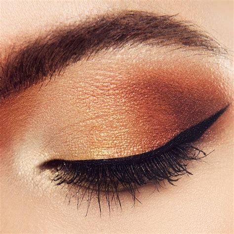 makeup eyeshadow 7 easy tutorials on how to apply eyeshadow makeup