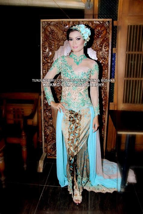 Foto Sanggul Kebaya 2015 Ruli Co | rias pengantin modern berbalut kebaya hijau toska nan