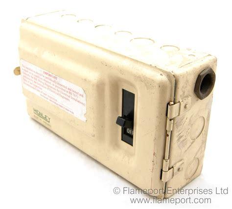 henley metal cased   fusebox