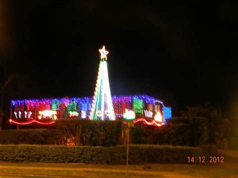 christmas lights at shaplands buderim shapland swim schools