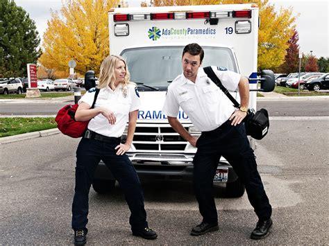 Lu Emergency Ada Kipasnya image gallery paramedic