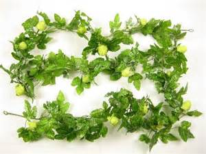 artificial hop vine / hop garland (176cm) in green