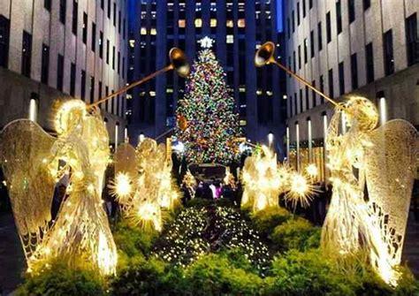 jesus traditional catholic christmas light to the world