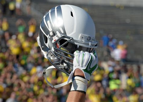 Oregon Football Recruiting: Safety Evan Fields Has Ducks