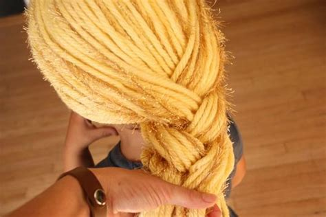 rapunzel tutorial wig yarn wig tutorial for rapunzel but could be used for