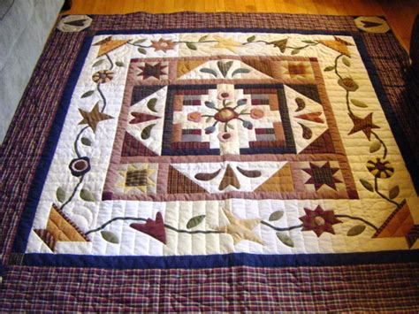 At Home With Country Quilts by Country Quilts