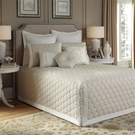 Fitted Quilted Bedspreads by Beautiful Soft Taupe Tailored Fitted Quilted