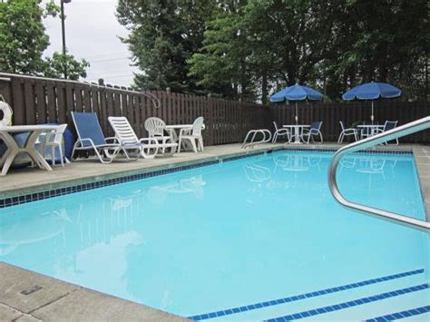 Backyard Pools Seattle Extended Stay America Seattle Renton Wa Jul 2016