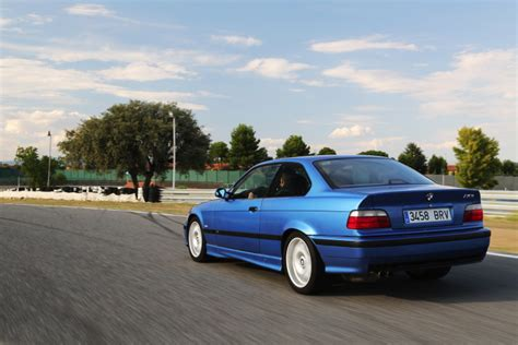 bmw e36 m3 track car 5 reasons why the bmw e36 m3 is better than the e46 m3