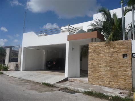 cocheras minimalistas foto cochera y fachada residencia vista alegre norte de
