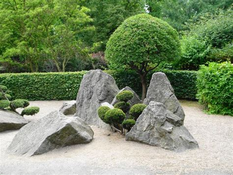 Zen Rock Gardens 1000 Ideas About Zen Gardens On Japanese Gardens Gardening And Miniature Zen Garden