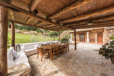 lada letto villa in vendita a olbia manuela linguardo