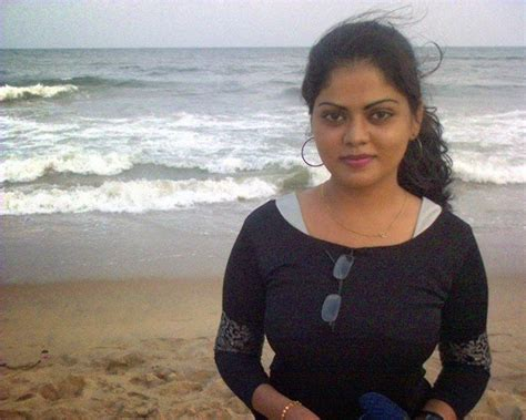 hot photos from goa beach indian girls in goa beach photos beautiful desi sexy