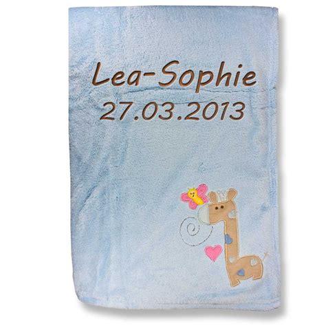 Babydecke mit Namen bestickt Decke 76x102 cm Geschenk zur
