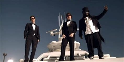 t pain on a boat the lonely island ft t pain i m on a boat 720p hd
