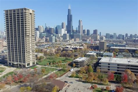 Of Illinois Mba Chicago by Graduate Programs Rise In Rankings Uic Today
