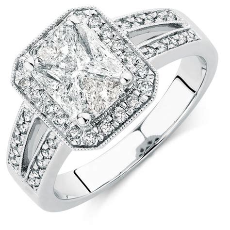 engagement ring with 1 15 carat tw of diamonds in 14ct