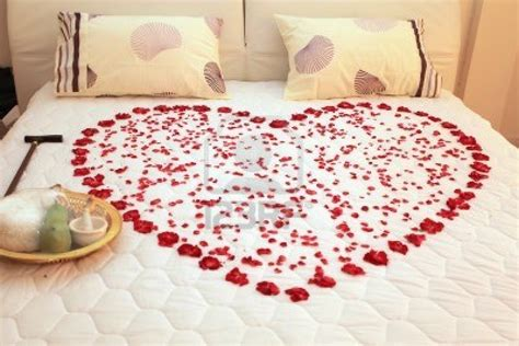 a bed of roses entertainment world valentine s day room