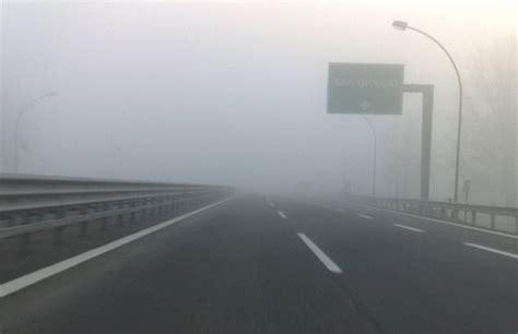 banchi di nebbia giorni di bel tempo con cielo sereno di notte possibili